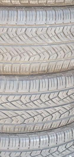 225/65r17 YOKOHAMA Tires En Exelentes Condiciones De Vida Las 4 for Sale in Lakewood,  CA