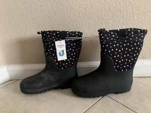 Girls rain boots size 6 for Sale in Newman, CA