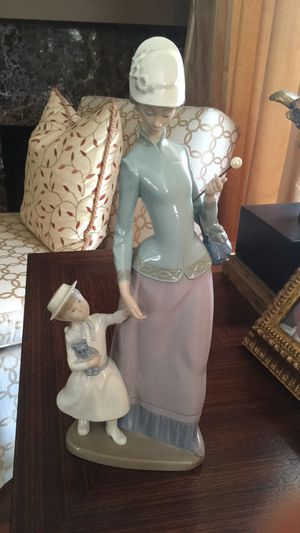 Lladro figurine mother daughter for Sale in Laguna Niguel, CA