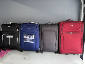 """Big Luggages maletas grandes 28"""" and more for Sale in Los Angeles, CA"""