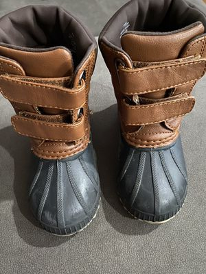 Toddler duck boots 7T/8T for Sale in Norwalk, CA