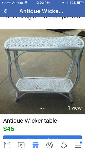 Antique Wicker table for Sale in Boiling Springs, SC