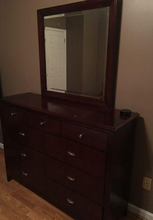 Queen Cherry Bedroom Suite (suit?) for Sale in Huntsville, AL