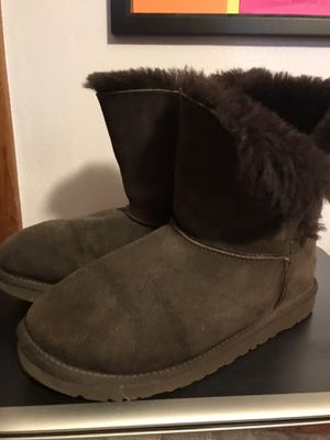 UGGS Dark Chocolate for Sale in Clairton, PA