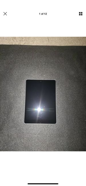 Ipad (6th Generation) 32gb (Wi-Fi only), 9.7 inches- Silver for Sale in Ackworth, IA