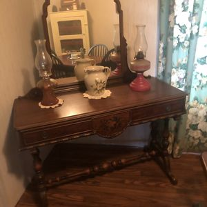 Antique dresser for Sale in Moreauville, LA