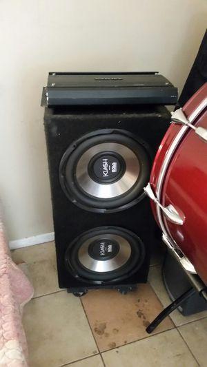 Bocinas 12 y amplificador for Sale in Garden Grove, CA