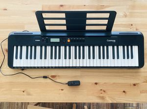 Casio CT-S200 61-key portable piano keyboard for Sale in Los Angeles, CA