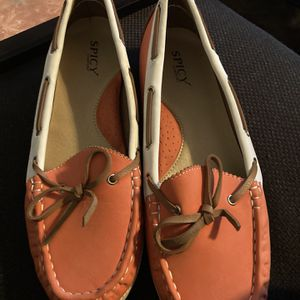 Free Size 10 Women's shoes for Sale in Silverado, CA