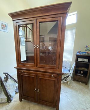Hutch cabinet for Sale in Las Vegas, NV