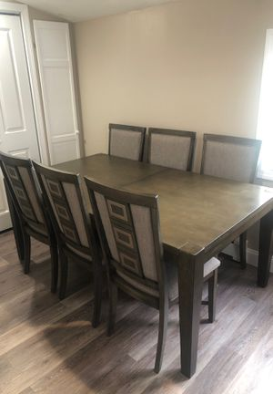 Dining room table w/ extended leaf plus 6 chairs for Sale in Boston, MA