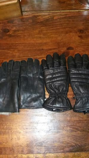 I'm selling two pair of men leather gloves one has rabbit fur for sale  them the large pair is Gore-tex for Sale