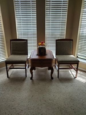 Basset furniture accent table and chairs for Sale in Houston, TX