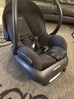 Maxi cosi car seat for Sale in Jefferson City, MO