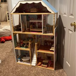 Dollhouse for Sale in Seattle,  WA