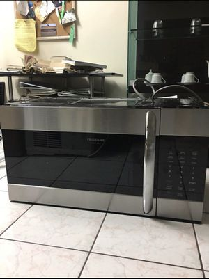 """Frigidaire FGMV176NTF 30"""" Gallery Series Over the Range Microwave with 1.7 cu. ft. Capacity in Stainless Steel for Sale in Huntington Beach, CA"""