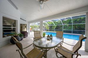Outdoor furniture for Sale in VLG WELLINGTN, FL