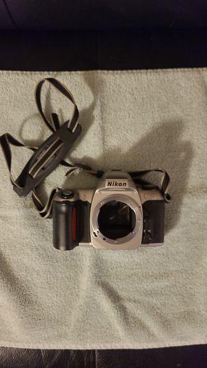Nikon n65 camera body fully functional no batteries no film for Sale in Newport, MI