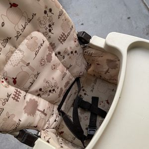 Toddler High chair for Sale in North Las Vegas, NV