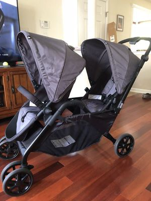 Evenflo Parallel Twin stroller for Sale in Huntington Park, CA