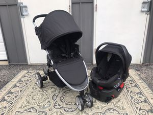 New Britax travel system stroller and infant car seat for Sale in Columbus, OH
