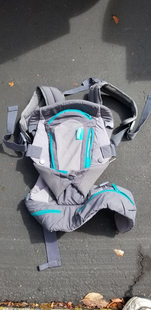Infantino baby carrier for Sale in Lakewood, WA