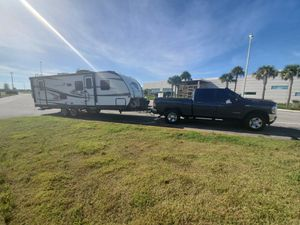 Need to park and store a 30 foot travel trailer/RV for Sale in Miami, FL
