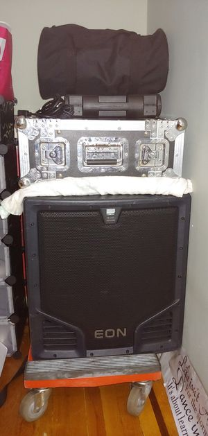 JBL POWERED 18 INCH SUB WOOFER/ FLT CASE / WIRELESS MIC for Sale in Brooklyn, NY