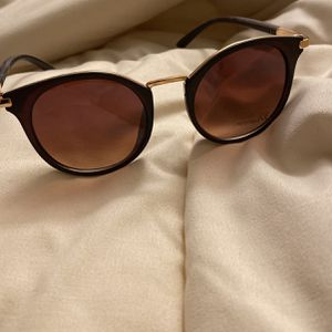 Brown/gold trim sunglasses for Sale in Bakersfield, CA