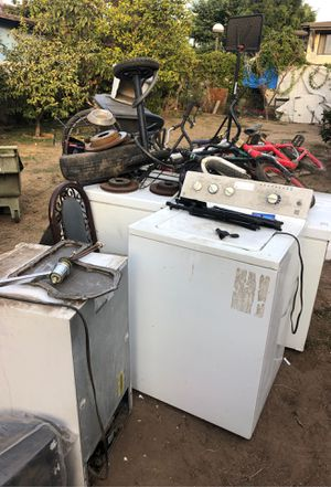 Free everything must go for Sale in Long Beach, CA