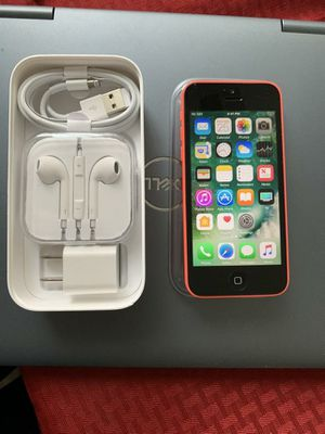 iPhone 5C. Factory Unlocked & Usable for Any SIM Any Carrier Any Country for Sale in Springfield, VA