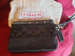 Coach wristlet for Sale in Cicero, IL