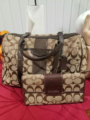 Coach purse & wallet bundle for Sale in Lincoln Acres, CA