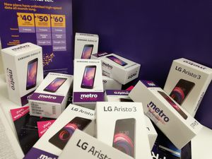 FREE PHONES.. LAST HOURE!!! for Sale in Buffalo, NY
