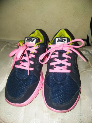 Girls Nike shoes for Sale in Kissimmee, FL