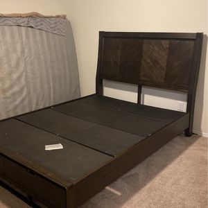 Bed frame for Sale in Forney, TX