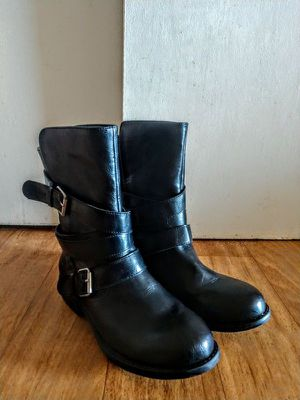 Rampage Women's Islet Motorcycle Buckle Mid Calf Low heel Boot size 8.5 for Sale in Revere, MA