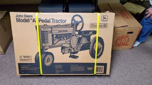 BRAND NEW JOHN DEERE MODEL A PEDAL TRACTOR for Sale in Grove City, OH