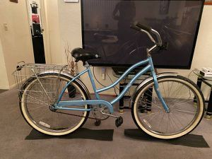 "Huffy ""Cranbrook' Beach Cruiser .. Dual Rear Basket for Sale in Glendale, AZ"