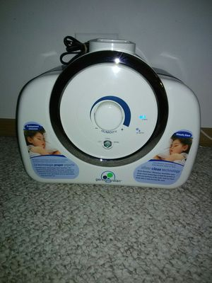 GERM GUARDIAN HUMIDIFIER WARM AND COOL MIST NO FILTERS NEEDED for Sale in Schaumburg, IL