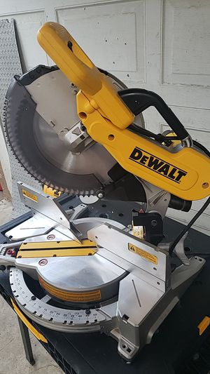 "DEWALT MITER SAW DOUBLE BEVEL 12"" for Sale in Rancho Cucamonga, CA"