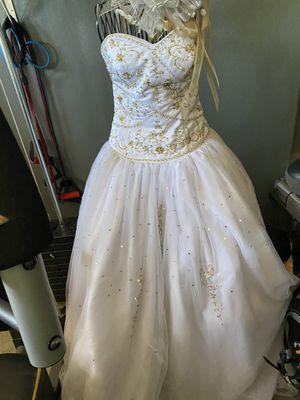 Wedding dress / for Sale in Las Vegas, NV