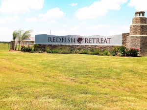 Lakefront 0.80 Acres land in Port Lavaca's top community Redfish Retreat! Fish in your back yard! for Sale in Port Lavaca, TX