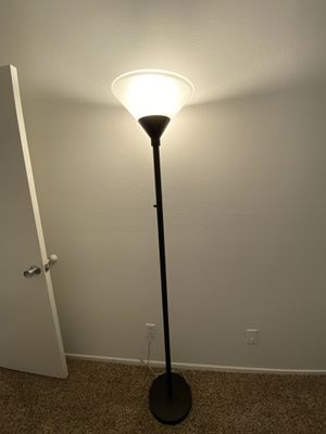 Floor lamp for Sale in Los Angeles, CA