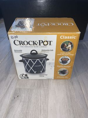 BRAND NEW 4 QUART CLASSIC CROCK POT SLOW COOKER for Sale in Orlando, FL