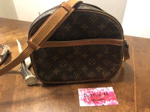 Authentic Louis Vuitton Selnis for Sale in Denver, CO