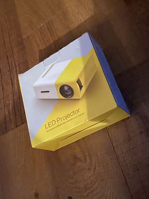 LED projector new in box for Sale in Tacoma, WA