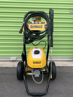Dewalt 2400 PSI Electric Pressure Washer for Sale in North Las Vegas,  NV