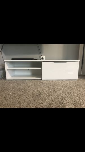 Drawer TV stand for Sale in Columbia, TN