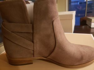 Michael Kors Salem Bootie Beige for Sale in Goodyear, AZ